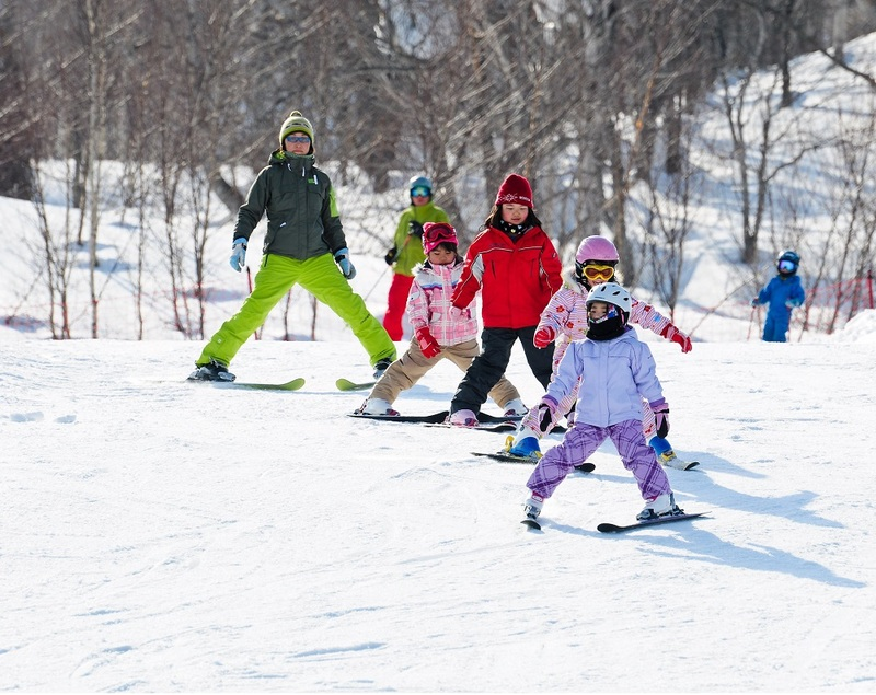 Kids spring skiing