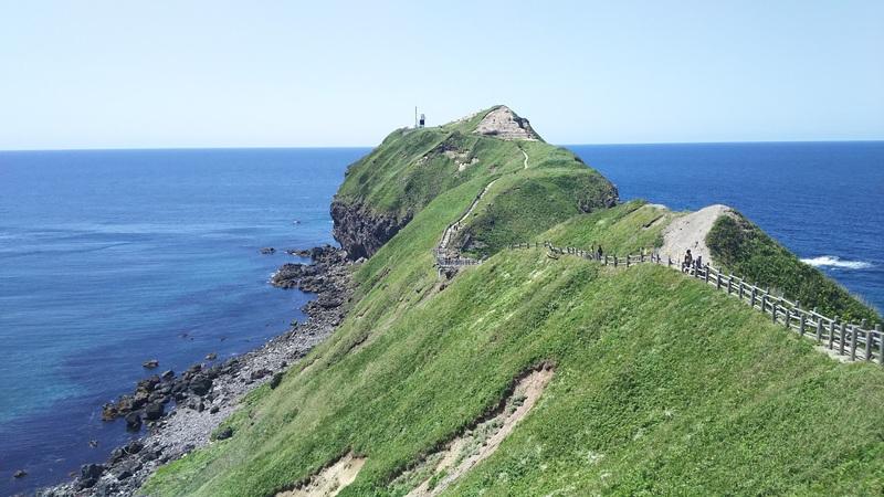 神威岬の遊歩道