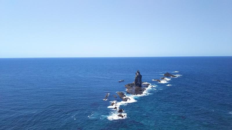 積丹半島神威岬に並ぶ奇岩