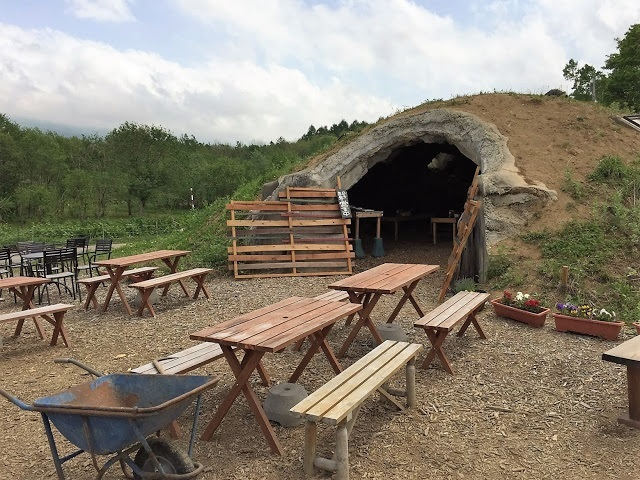 Niseko Green Farm - Pizza making cave