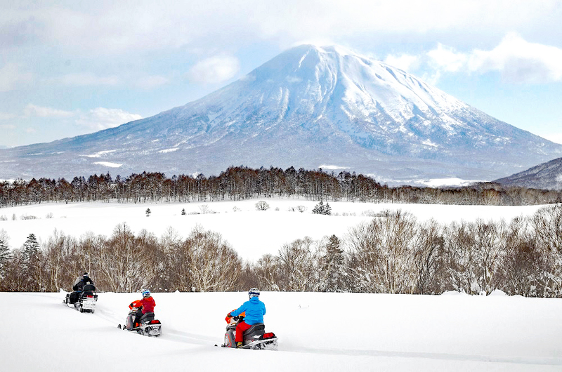 Snowmobile tour at Hanazono Niseko